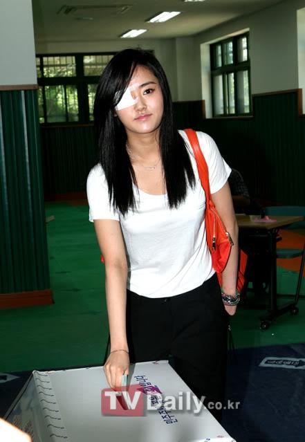 [OTHER][02.06.10] GaYoon lần đầu tiên đi bầu cử VZ011771050_35900_27615