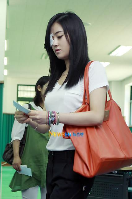 [OTHER][02.06.10] GaYoon lần đầu tiên đi bầu cử VZ011771108_35900_27615