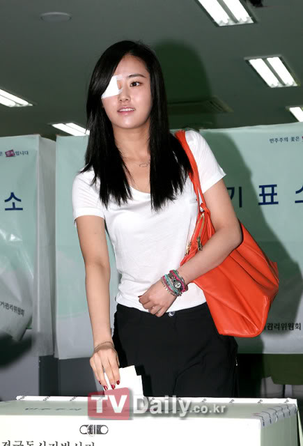 [OTHER][02.06.10] GaYoon lần đầu tiên đi bầu cử ZL011770958_35900_27615
