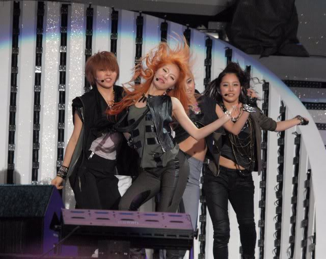 [PERF][22.05.10] 4Minute biểu diễn tại 2010 Dream Concert ZL011792279_35900_27737