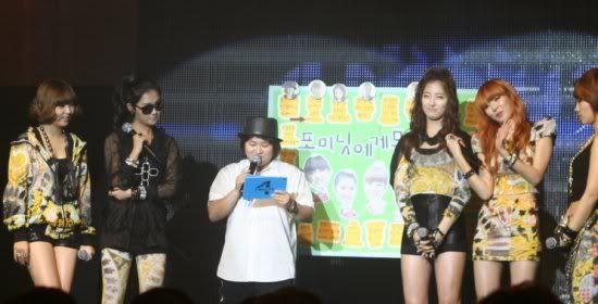 [OTHER][06.06.10] Buổi họp mặt fan chính thức đầu tiên của 4Min, bữa tiệc sinh nhật bất ngờ dành cho HyunAh Image-0018_4C0EF7DC