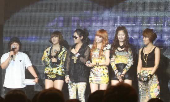 [OTHER][06.06.10] Buổi họp mặt fan chính thức đầu tiên của 4Min, bữa tiệc sinh nhật bất ngờ dành cho HyunAh Image-64CB_4C0EF789