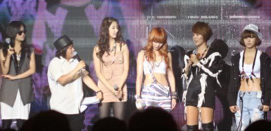 [OTHER][06.06.10] Buổi họp mặt fan chính thức đầu tiên của 4Min, bữa tiệc sinh nhật bất ngờ dành cho HyunAh Image-6F5D_4C0EF7DC