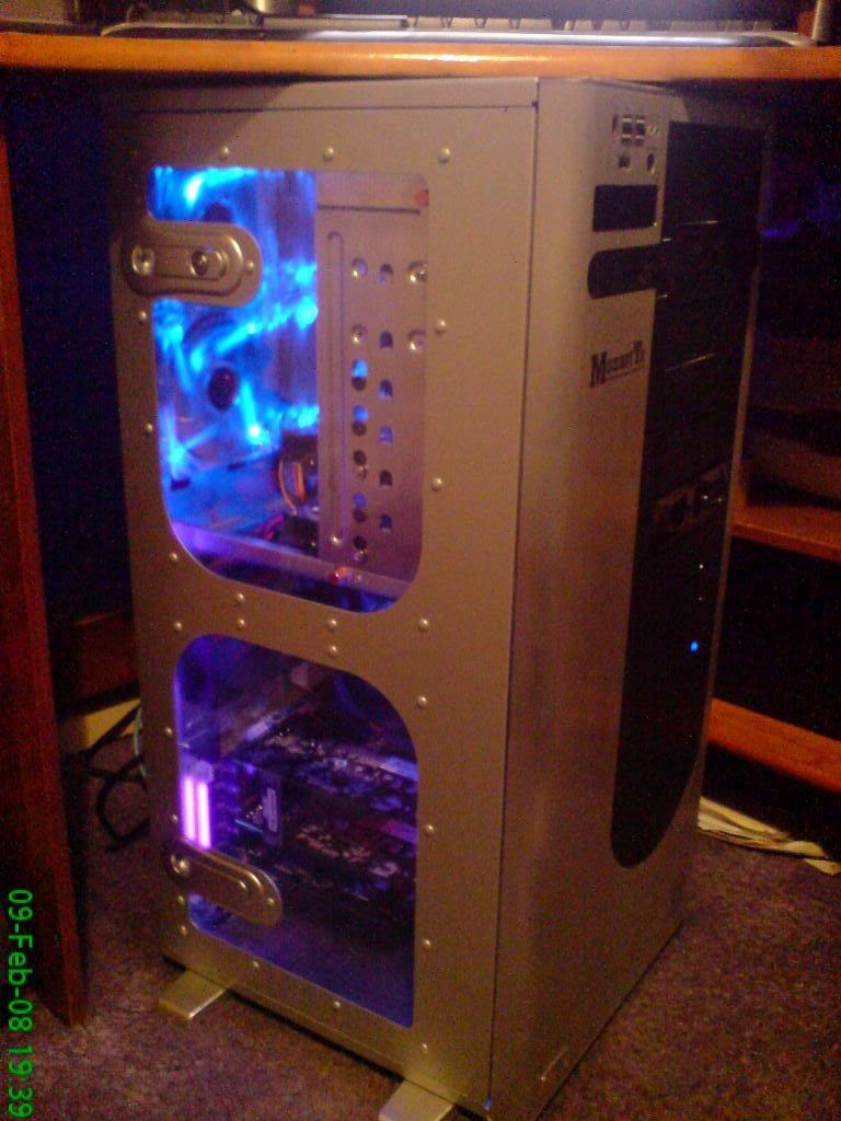MY NEW BUILD! TILL I FIT WATERCOOLING. DSC00041