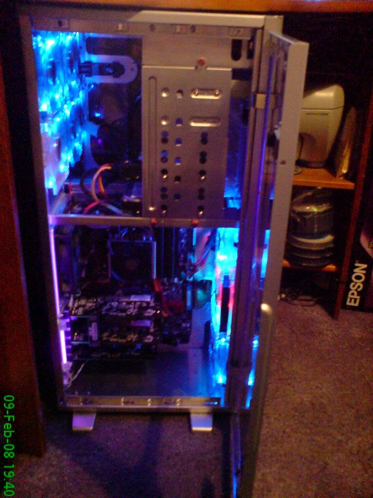 MY NEW BUILD! TILL I FIT WATERCOOLING. DSC00042