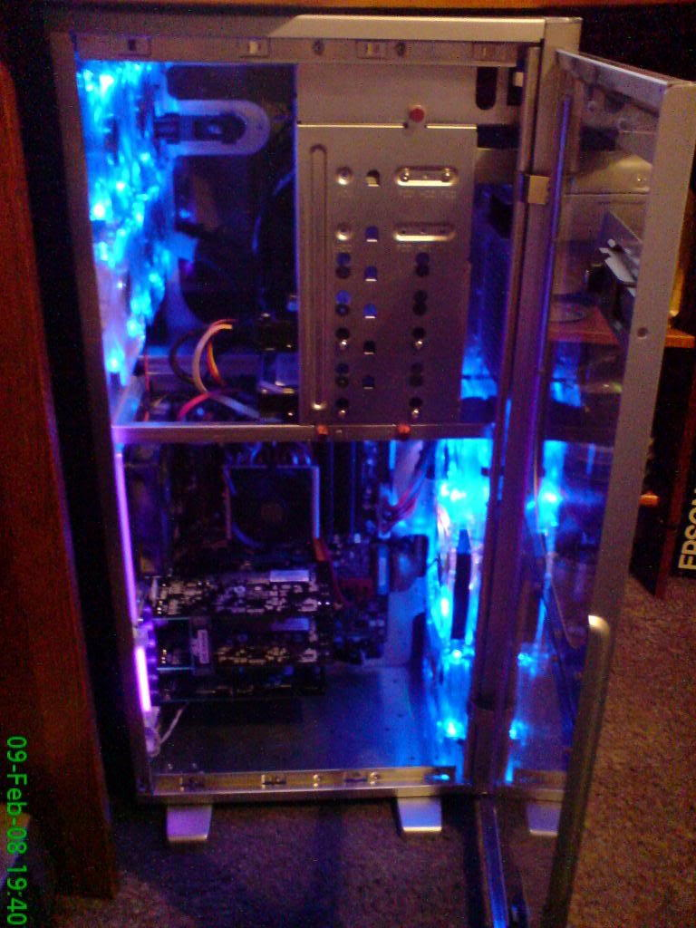 MY NEW BUILD! TILL I FIT WATERCOOLING. DSC00043