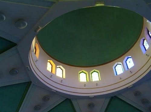مسجد للرئيس صدام حسين في برطانيا 11-1