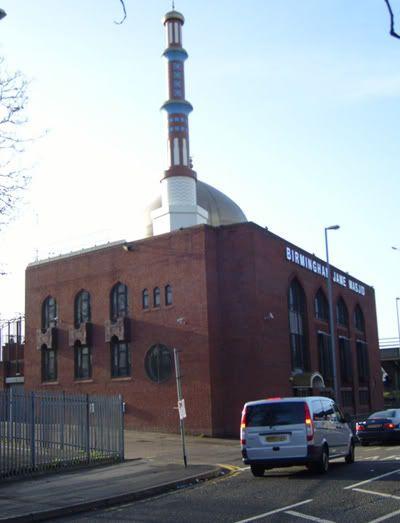 مسجد للرئيس صدام حسين في برطانيا 6-2