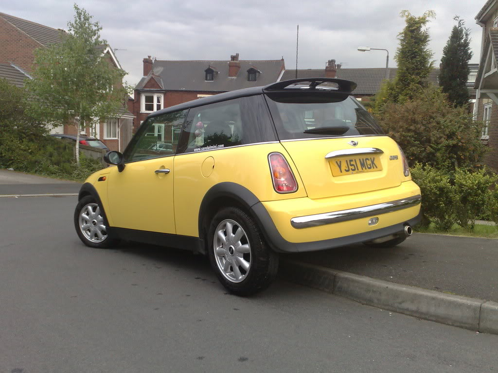 MINI Cooper Automatic 02/51 reg Full BMW Service History 19052008005