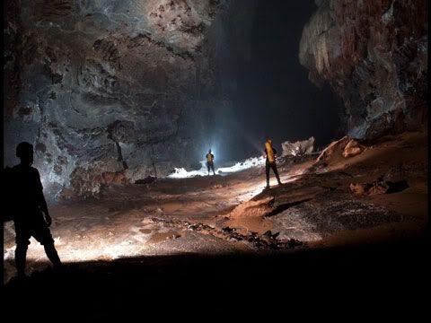Phát hiện hang động lớn nhất thế giới tại Quảng Bình 11107145-dong-9