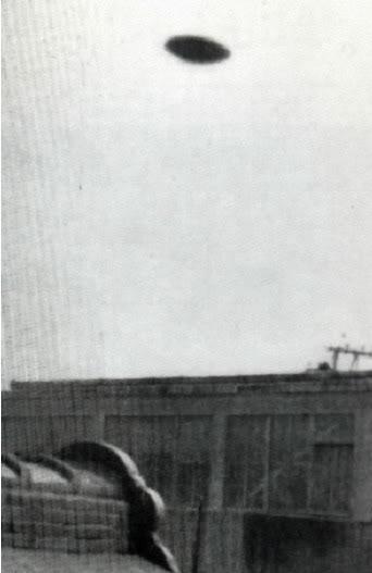 OVNIS galeria. 1958-KaizukaJapan