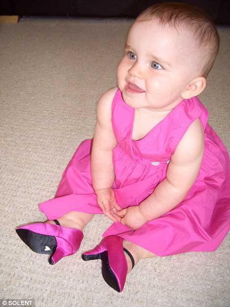 des chaussures a talons pour bébés... Rrrrrr2-1