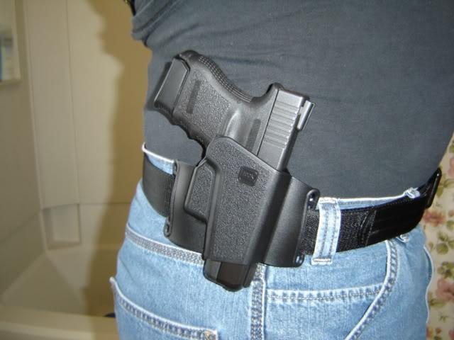 Quel holster pour un Glock 17 ? DSC02088