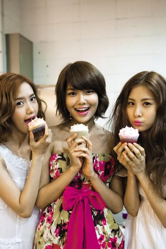 SooYoung + Yoona = SooNa Yansynsh