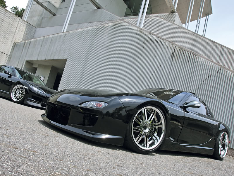 Nice car picture post - Page 37 MazdaRX-7FDblackclean