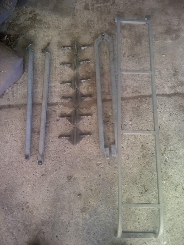 Brownchurch Roof Rack for 110  Utf-8BV2luY2hlc3Rlci0yMDE0MDEyMy0wMDQ0Ny5qcGc_zps0644f611