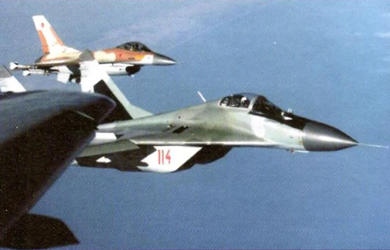شرح للمقاتلة ميج 29 ام 2 - صفحة 2 MiG-29Izrael_4