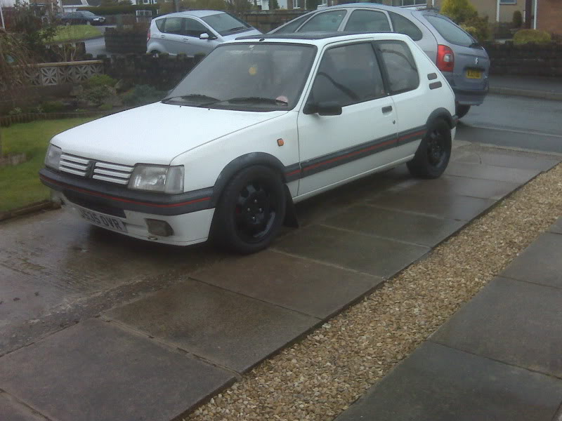 205 gti 1.6 unfinshed project IMG00036
