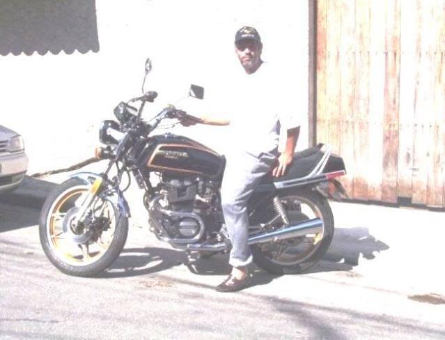 UM HORNETÃO (CB 1300 SF) NO  SUZUKI ON LINE Moto
