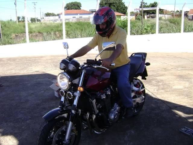 UM HORNETÃO (CB 1300 SF) NO  SUZUKI ON LINE DSC07671