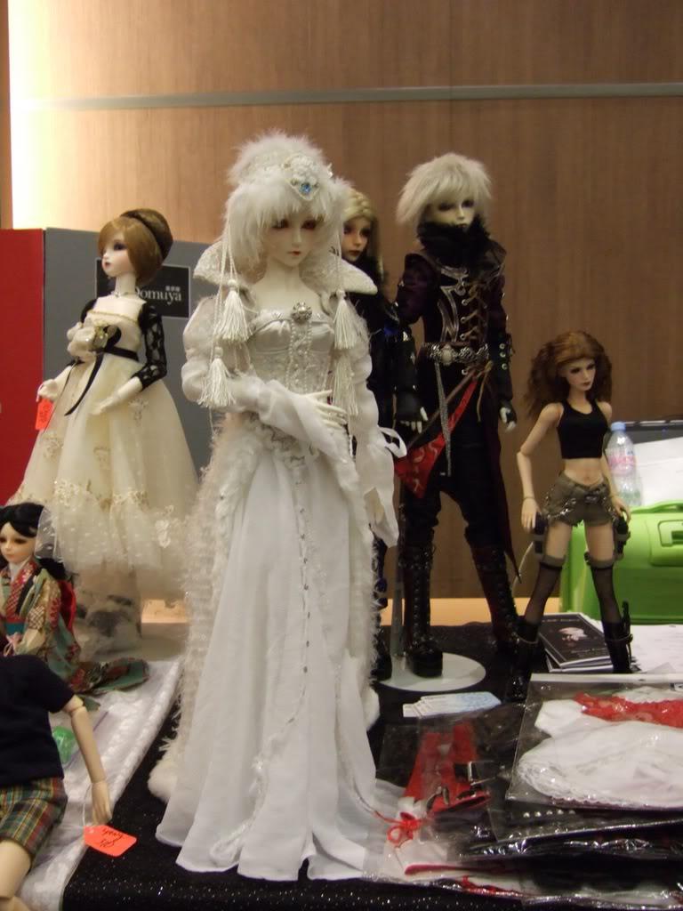 Paris Fashion Doll Festival de ce week-end - Page 3 2007_0318one0153