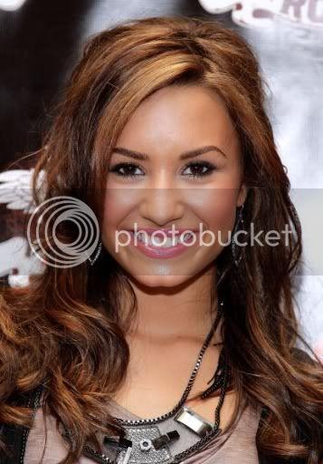 Demi Lovato  - Page 5 VDemi42