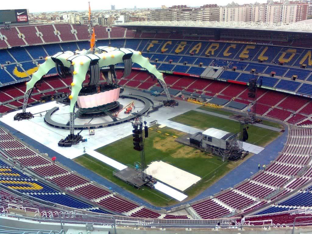 U2 360° tour Escenario-u2-360-tour-Barcelona