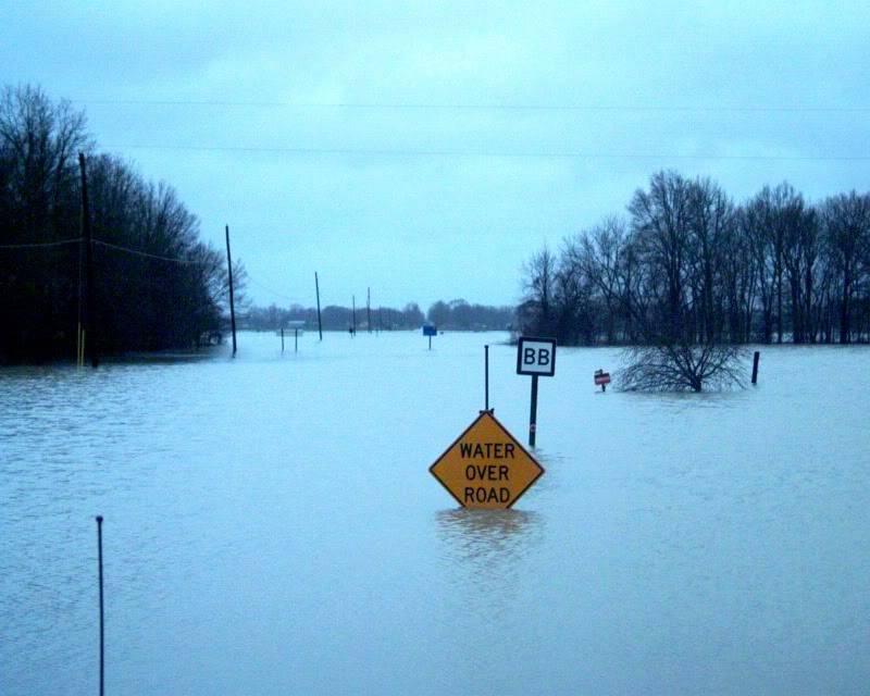 flood here in Missouri (pics) Bb