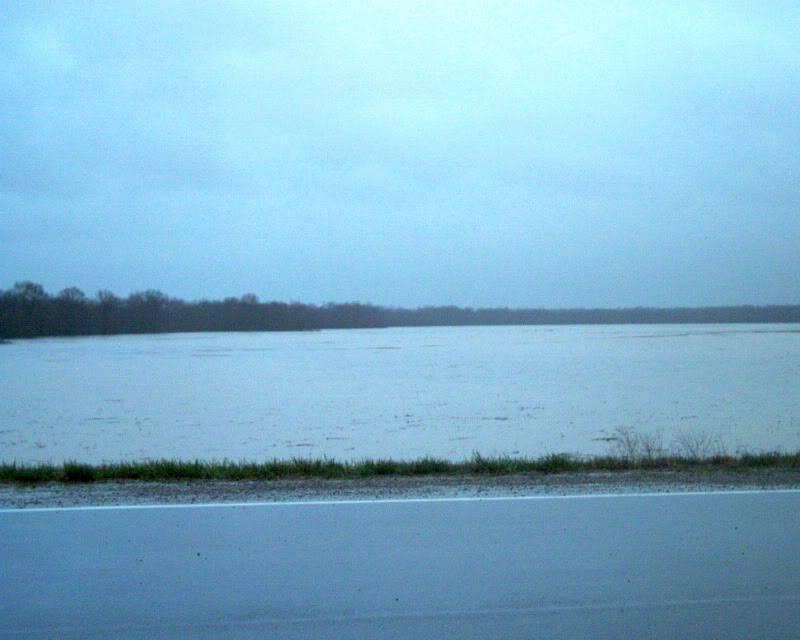flood here in Missouri (pics) Field