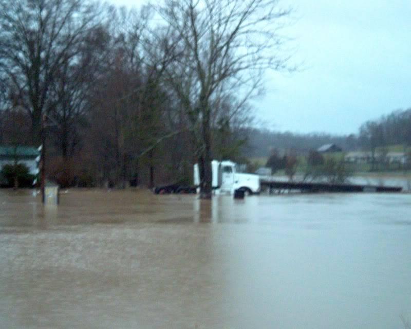 flood here in Missouri (pics) Jim2