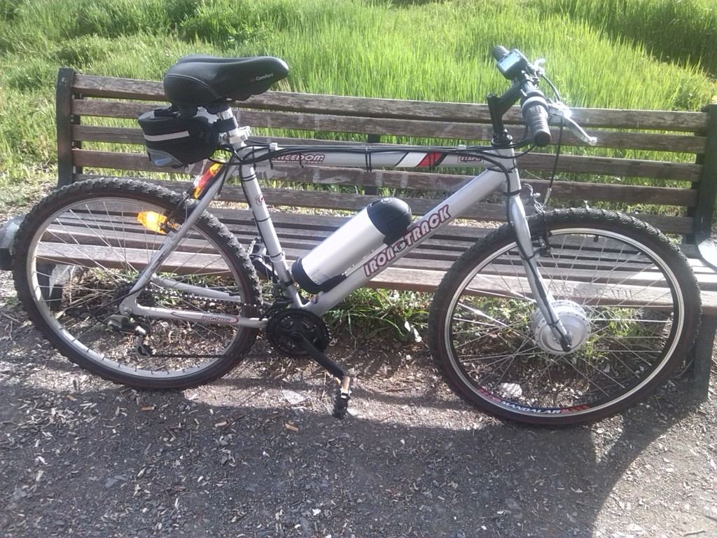 """Montaje terminado. Mi vieja bici ya es """"delorean"""" IMG_20150419_184459"""