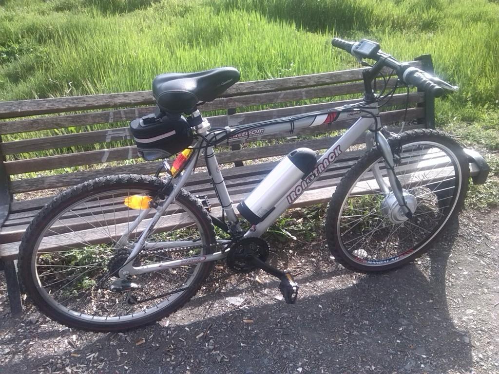 """Montaje terminado. Mi vieja bici ya es """"delorean"""" IMG_20150419_184508"""