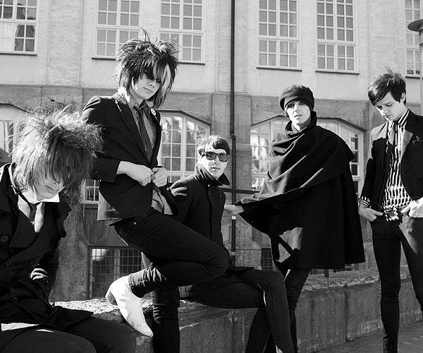 *The Horrors* TheHorrors14
