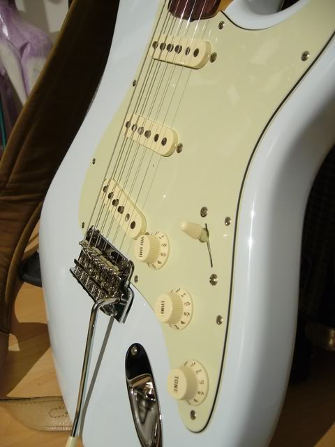 Fender Stratocaster Classic Player '60 (photos + video) - Page 3 P1040545