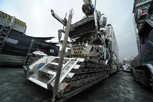 Pimp my truk di jpg di sebut dekotora Dekotora-truck-5-sm