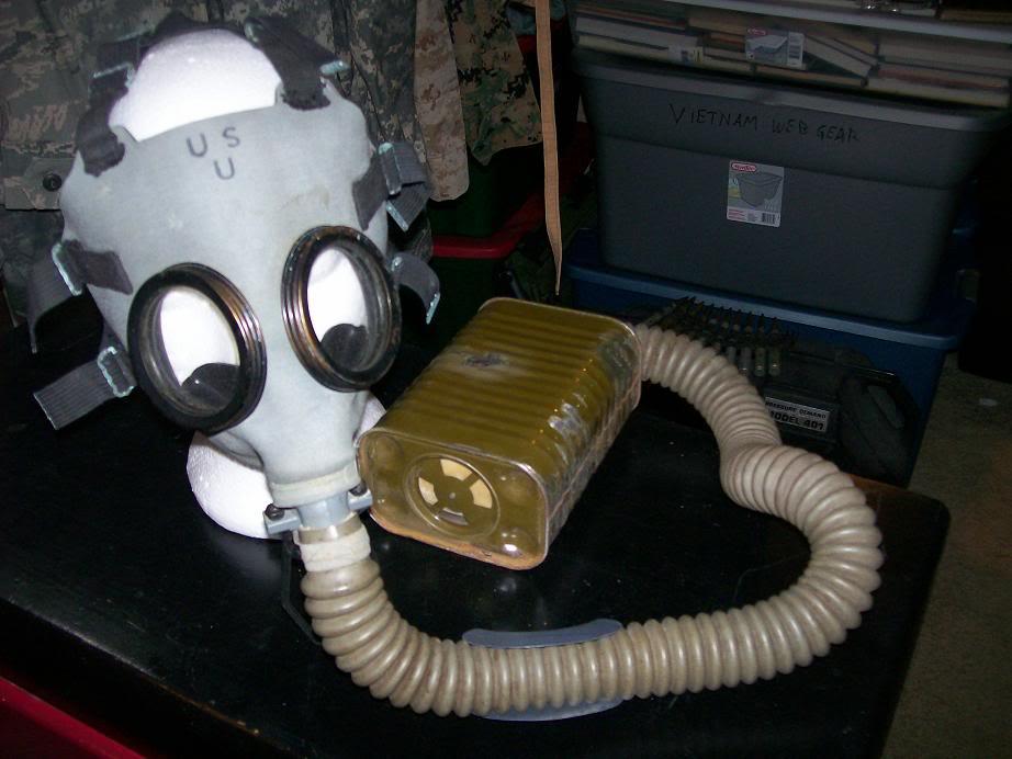 USMC Gas Mask. 100_3300