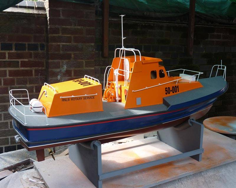 50 ft Thames class lifeboat - Page 3 Overall-03_zpse7f81398