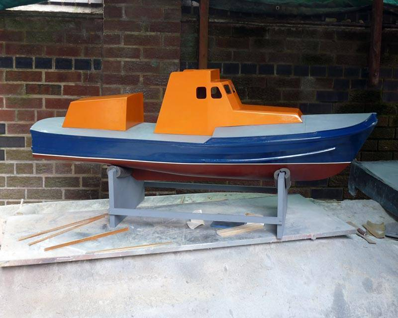 50 ft Thames class lifeboat - Page 3 Superstructure-06_zps2b2f04a5