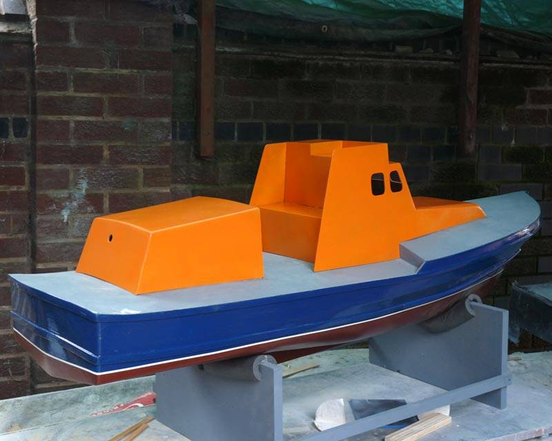 50 ft Thames class lifeboat - Page 3 Superstructure-07_zps3fcb76d2