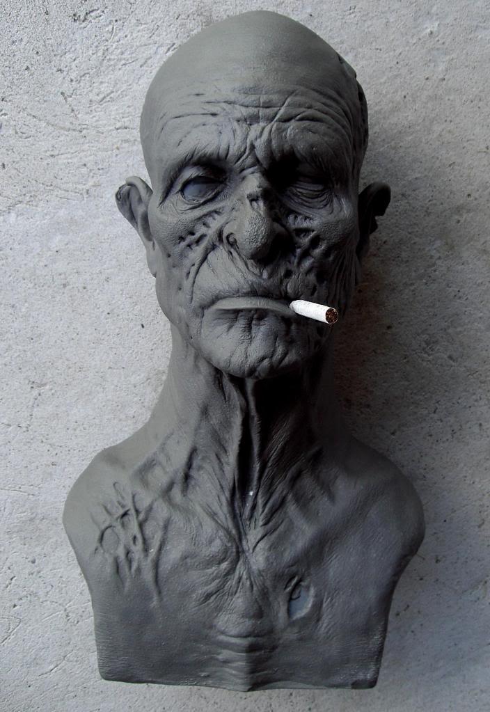 Un petit zombie qui fume (en cours...) Vieuxzombfini3