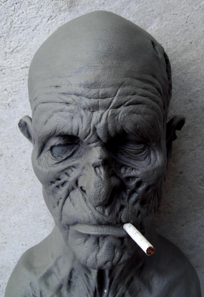 Un petit zombie qui fume (en cours...) Vieuxzombfini4