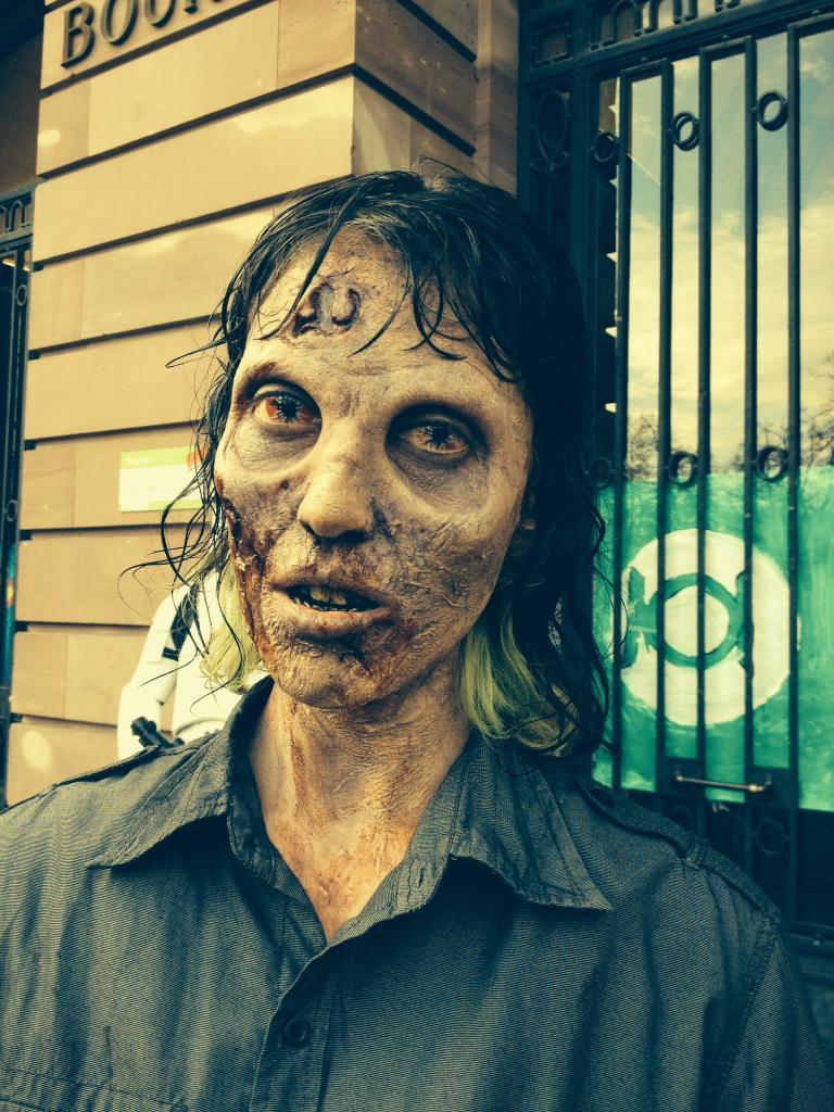 Zombie (encore et toujours) Photo_zpsf6bfaa1d
