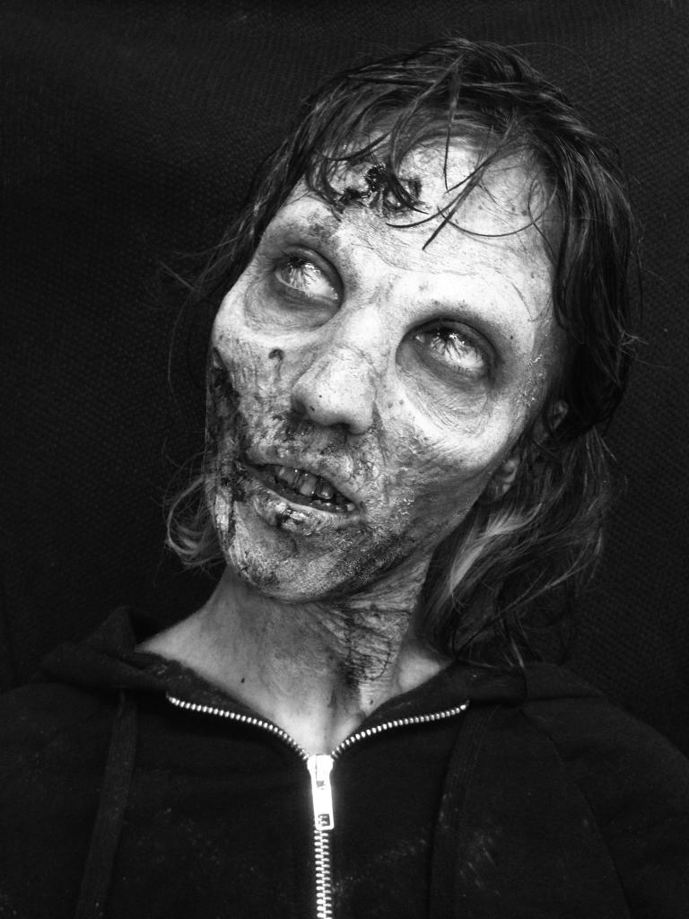 Zombie (encore et toujours) Photoezeze_zps3f4d6569