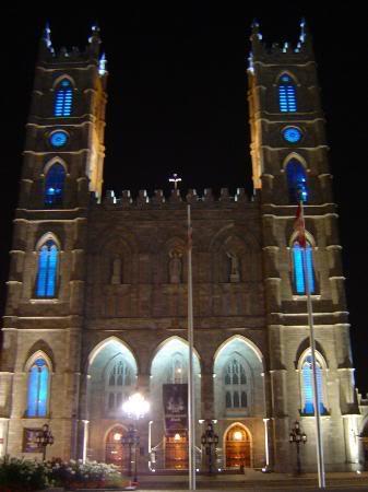 Красивые фото  Монреаля и Квебека Basilica-at-night
