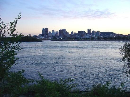 Красивые фото  Монреаля и Квебека Montreal-from-jean-drapeau