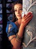 Devdas (2002) Th_aishwarya_rai_005_on