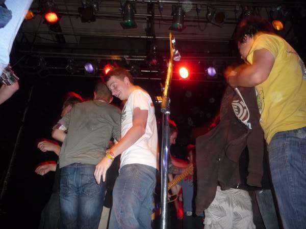 Gaslight Anthem Live in London - Stage Invasion P1010299