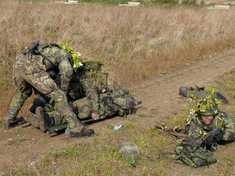 Armée tchèque/Czech Armed Forces - Page 2 Praporni-cviceni-na-boleticich-03