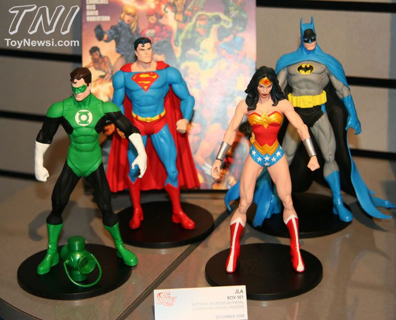 Toy Fair 2009 - DC Direct IMG_0266