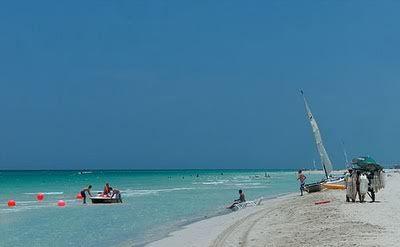 Cuba se abre al turismo de lujo Playaenvaraderocuba